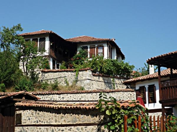 Тенева и Коручева къщи